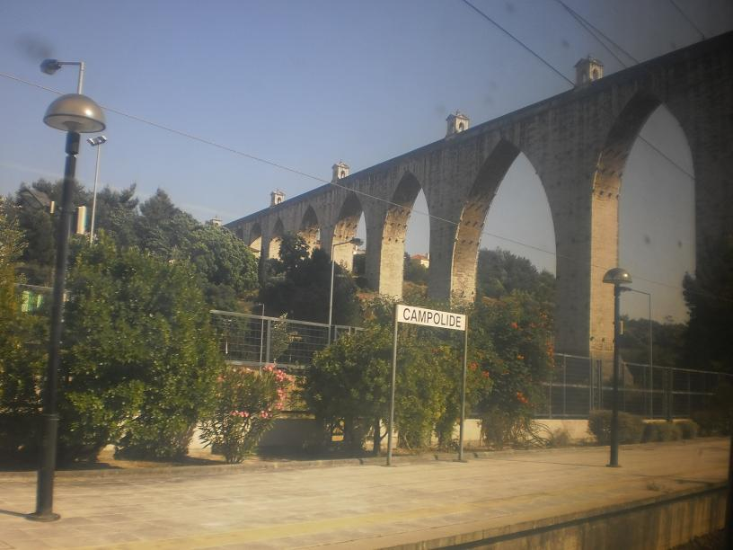 campolide train station in portugal
