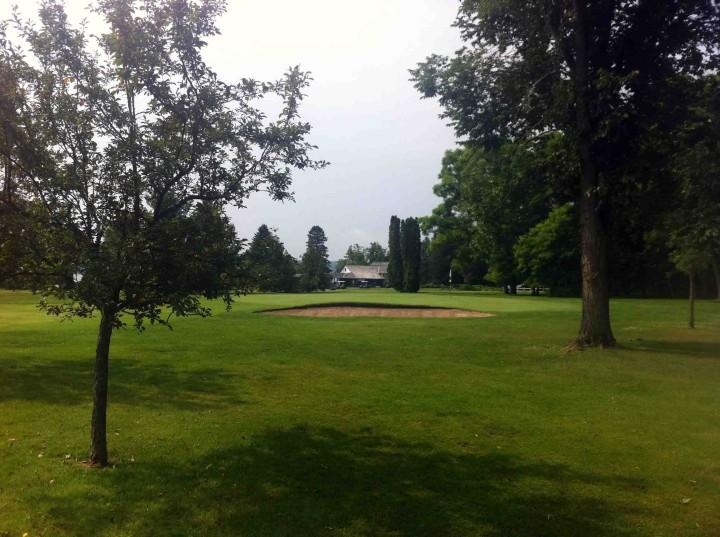 round_sturgeon_point_golf_club