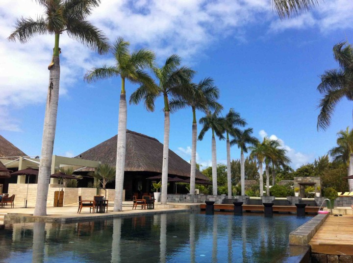 pool_four_seasons_mauritius_beach_club
