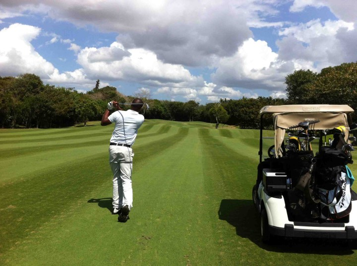 andre_pin_hunting_links_course_belle_mare_plage