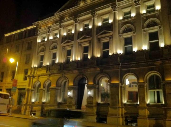 buildings_dublin_night