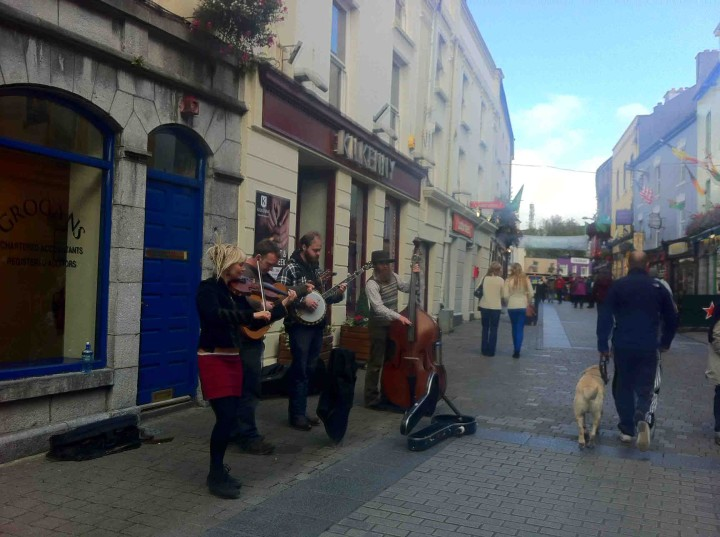 buskers_galway_ireland