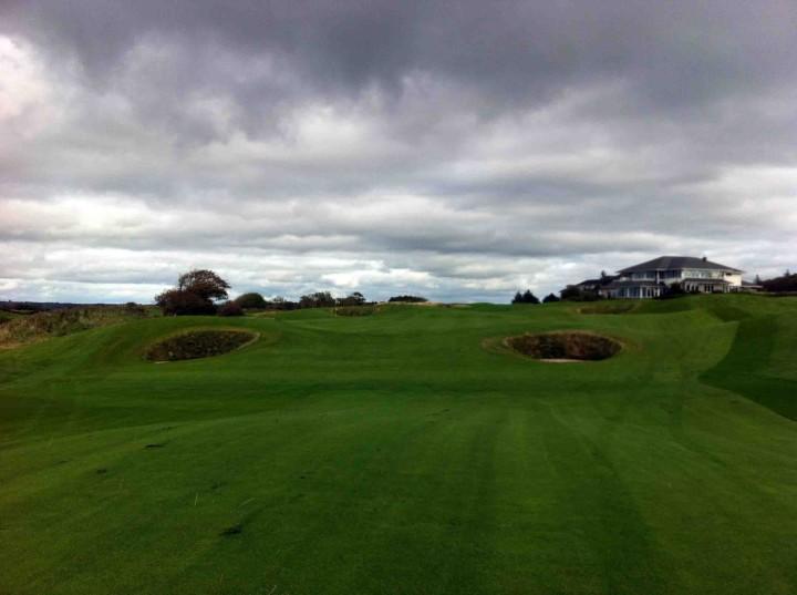 green_approaching_18_galway_bay_golf_resort_ireland