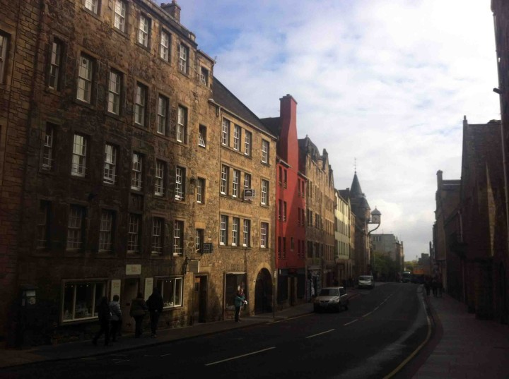 royal_mile_old_town_edinburgh