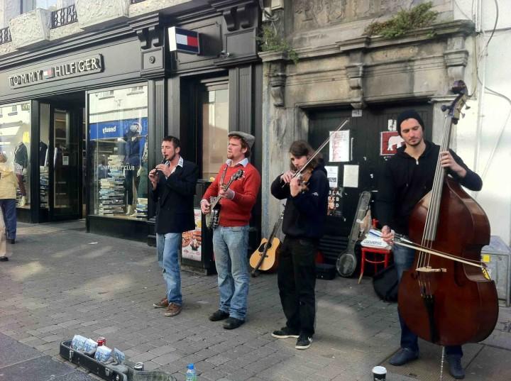 street_musicians_galway_ireland