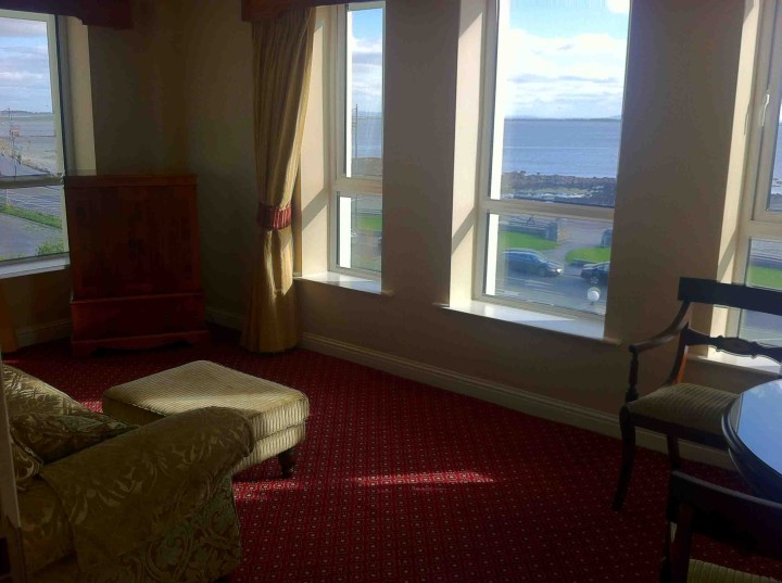 suite_room_galway_bay_hotel