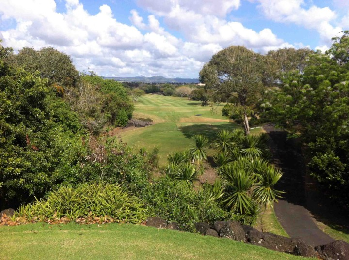 tight_tee_boxes_links_course_belle_mare_plage