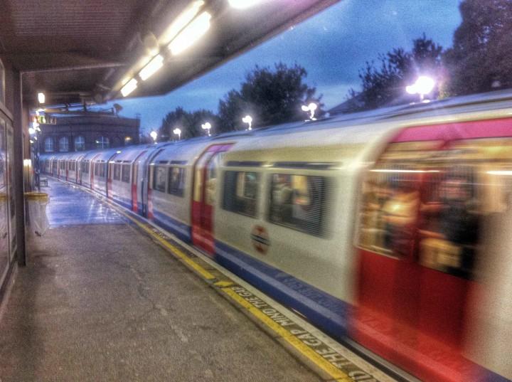 dark_dreary_london_rain