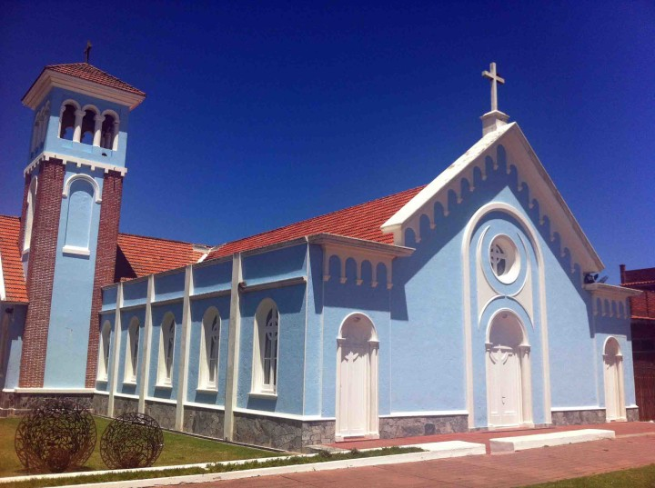 blue_church_punta_del_este
