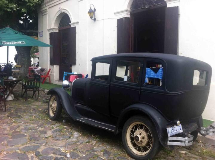 classic_car_colonia_uruguay