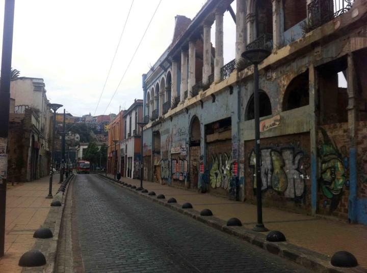 destroyed_building_valparaiso