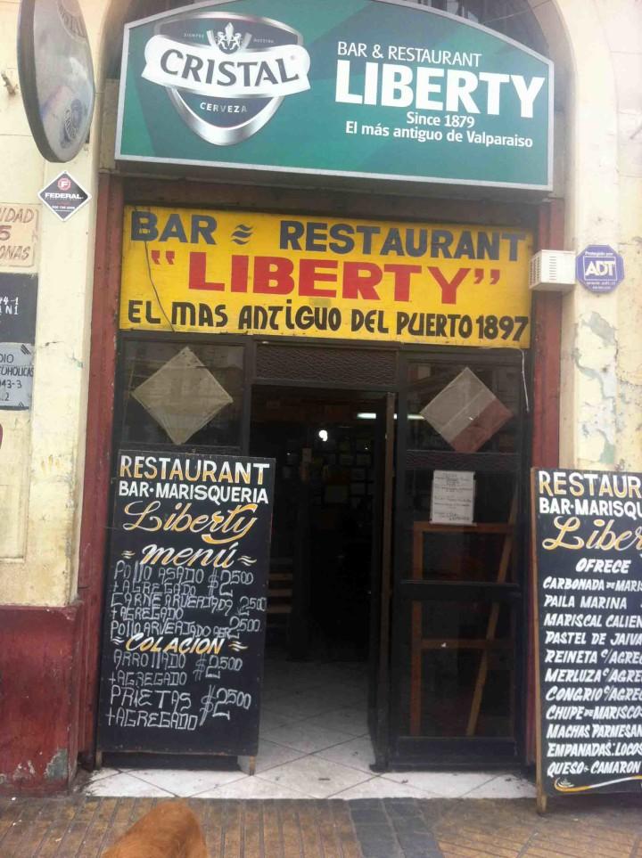 dive_bar_valparaiso