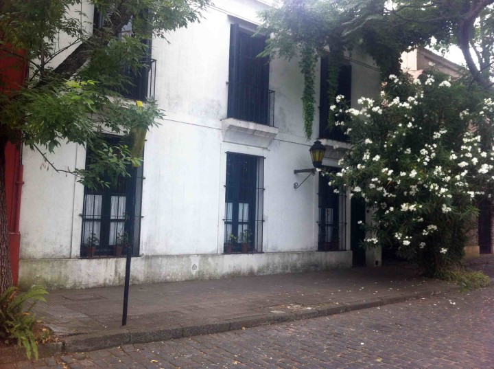 old_building_lillies_colonia_uruguay