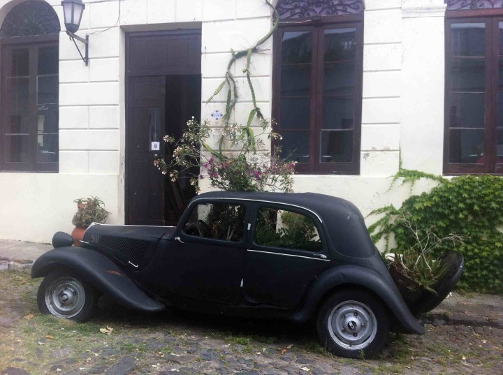 old_school_colonia_uruguay
