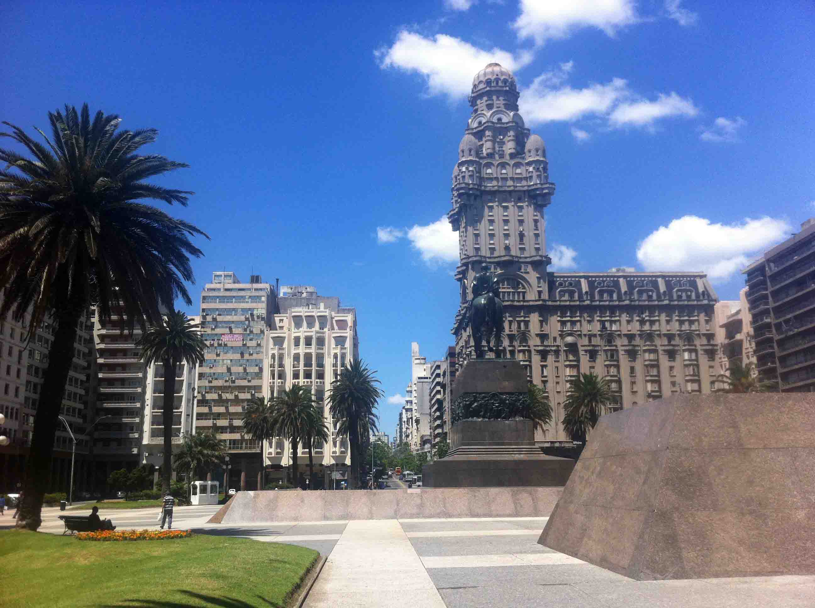 A Gent's Photo Diary From a Week in Montevideo, Uruguay