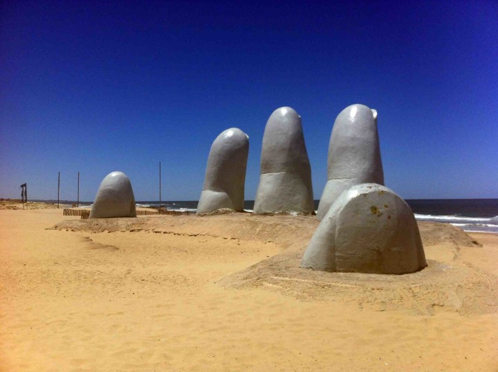 punta_del_este_fingers_uruguay