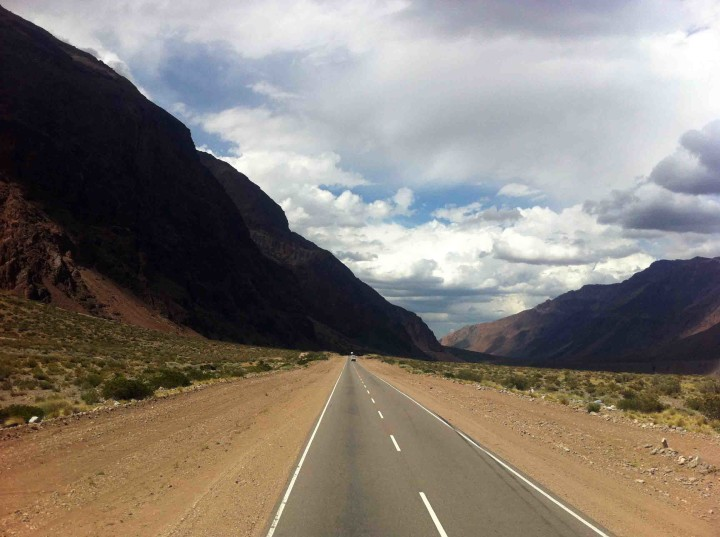 road_andes_argentina_chile