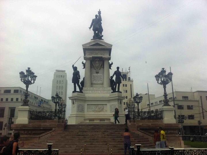 statue_valparaiso