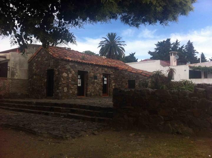 stone_houses_colonia_uruguay