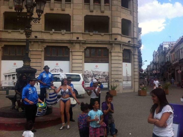 street_buskers_uruguay