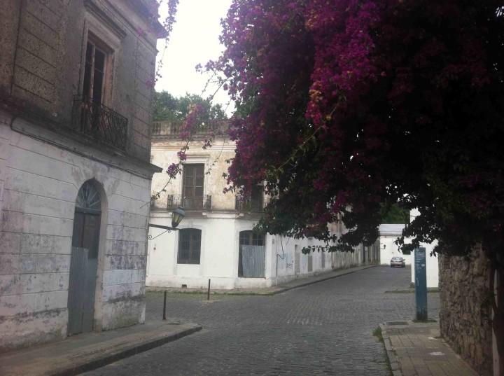 street_corner_old_town_colonia_uruguay