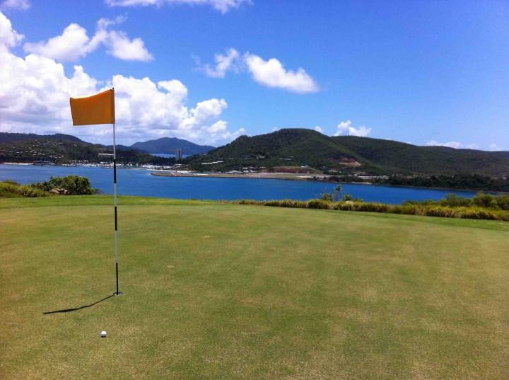 18th_green_hamilton_island_golf_club