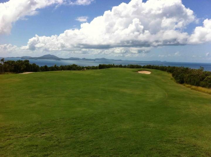 alta_vista_hamilton_island_golf_club