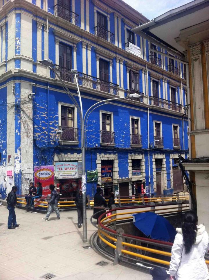 blue_building_la_paz_bolivia