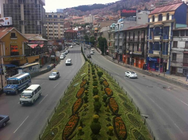 busy_streets_la_paz_bolivia