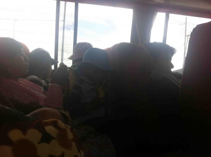 family_bus_bolivia