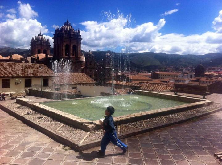fountain_sky_cusco_peru