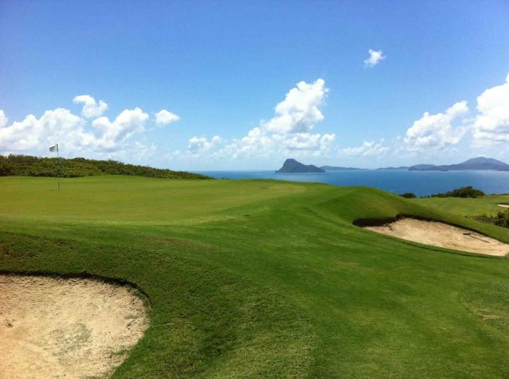 green_14th_hamilton_island_golf_club