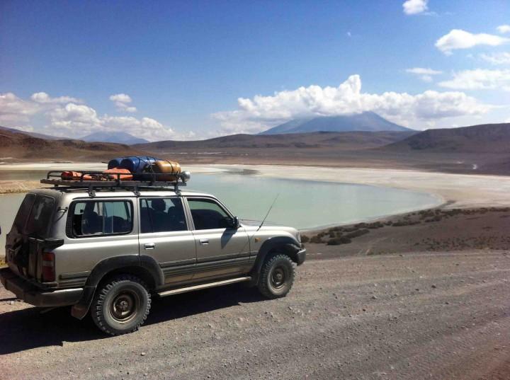 jeep_lagoons_salt_flats