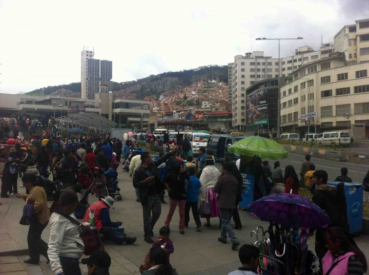 lots_people_la_paz_bolivia