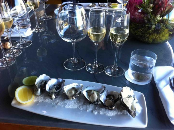 oyster_champagne_pairing_qualia_hamilton_island