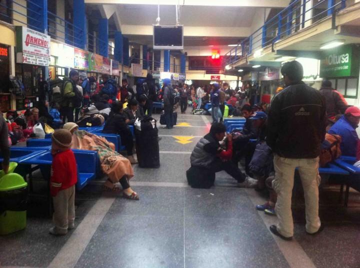 peru_bus_station_6am