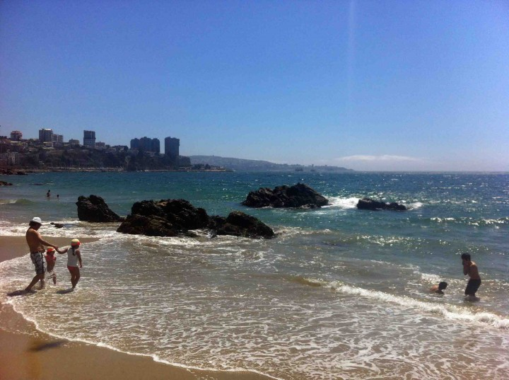 playing_beaches_vina_del_mar