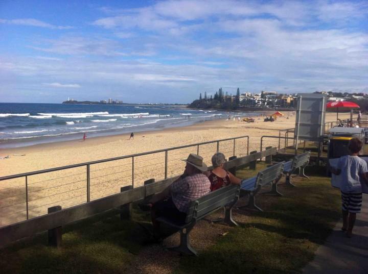 relaxing_beaches_sunshine_coast_oz