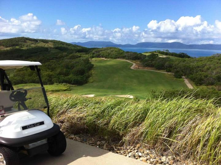 rugged_hamilton_island_golf_club
