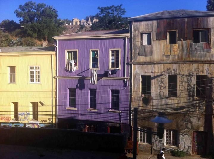 rundown_buildings_valparaiso
