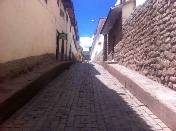 skinny_lane_cusco_peru