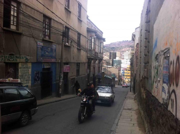 streets_la_paz_bolivia
