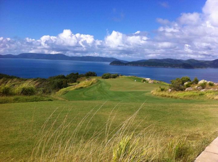 stunning_hamilton_island_golf_club