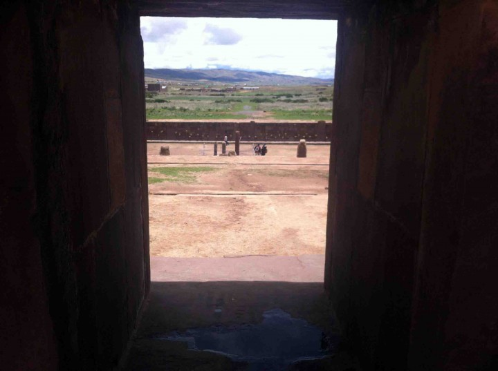 temple_entrance_tiwanaku_bolivia