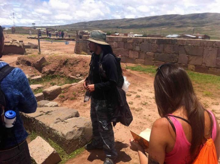 tiwanaku_ruins_bolivia