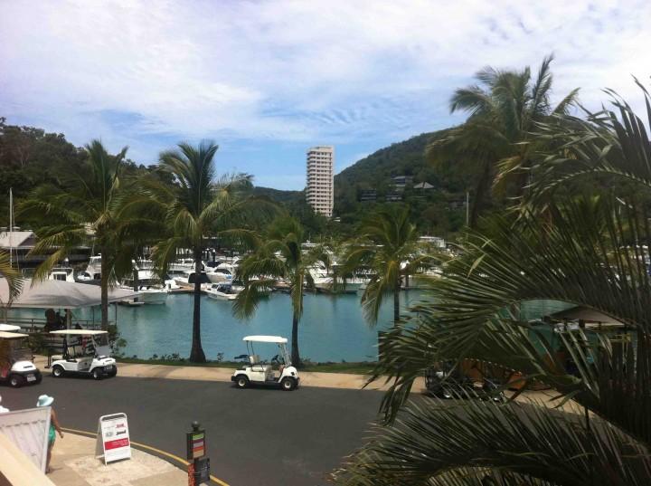 town_hamilton_island_australia