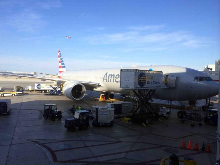 american_airlines_777-300
