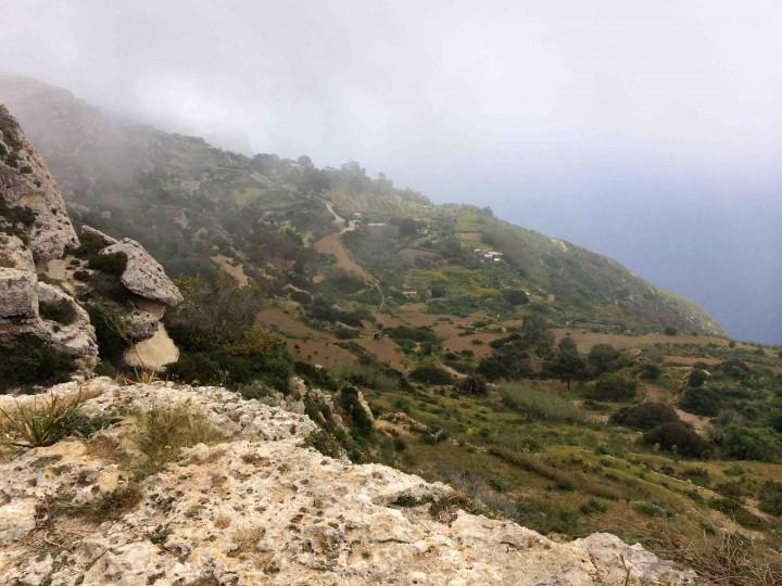 cliffs_malta
