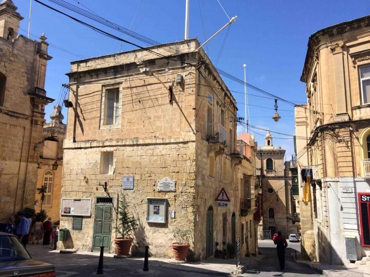 downtown_birgu_malta