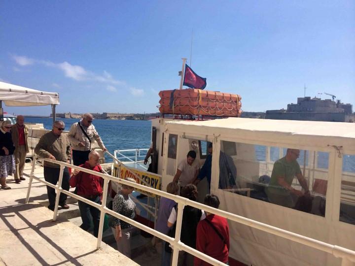 ferry_to_birgu_from_valletta_malta